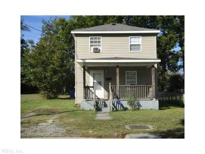 Suffolk Single Family Home Under Contract: 523 County St