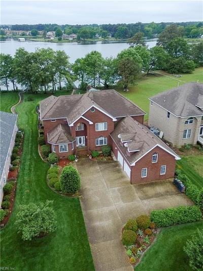 Portsmouth Single Family Home For Sale: 19 River Pointe Dr S
