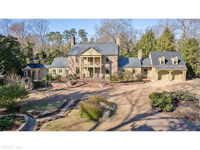 Williamsburg Single Family Home For Sale: 8 Bayberry Ln