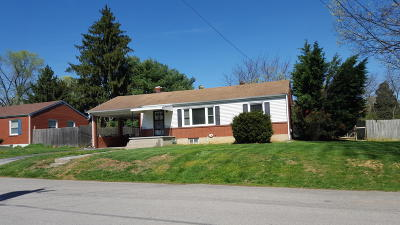 Single Family Home Sold: 1927 Laura Rd NW
