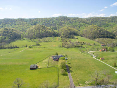 Botetourt County, Roanoke County Single Family Home Sold: 6870 Blacksburg Rd