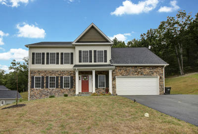Single Family Home For Sale: 4235 Berkeley Place Dr