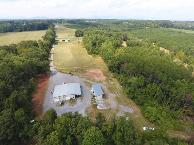 Bedford County Single Family Home For Sale: 1512 Quaker Church Rd #& 1400 F