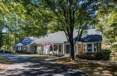 Roanoke County Single Family Home For Sale: 5011 Hunting Hills Dr