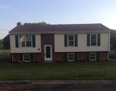 Vinton Single Family Home For Sale: 452 Stoneacres Dr