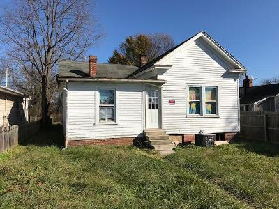Bedford Single Family Home For Sale: 506 Otey St