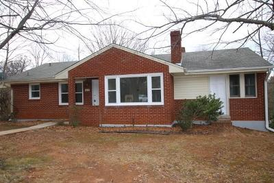 Bedford Single Family Home For Sale: 1119 Galax St