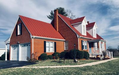 Bedford Single Family Home For Sale: 5924 Moneta Rd