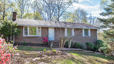 Single Family Home Sold: 22 Oak Crest Dr