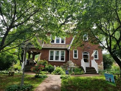 Roanoke Single Family Home For Sale: 3326 Hillcrest Ave NW