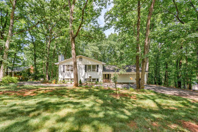 Single Family Home For Sale: 4949 Hunting Hills Dr