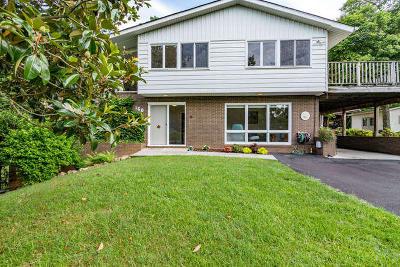 Salem Single Family Home For Sale: 160 Bogey Ln