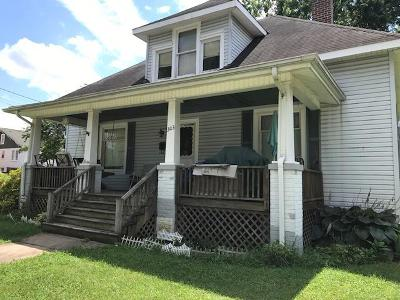 Vinton Single Family Home For Sale: 303 Gunn Ave