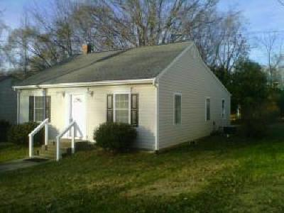 Roanoke Single Family Home For Sale: 3923 Tyler Ave NW