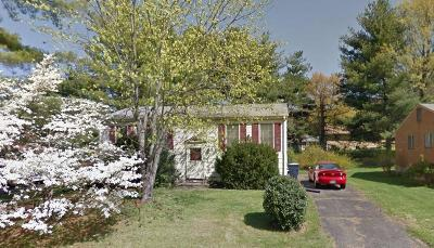 Single Family Home Sold: 4636 Player Dr NE