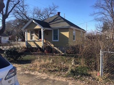 Salem Single Family Home For Sale: 17 Elm St