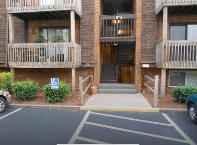 Attached Sold: 2840 Colonial Ave SW #D-2