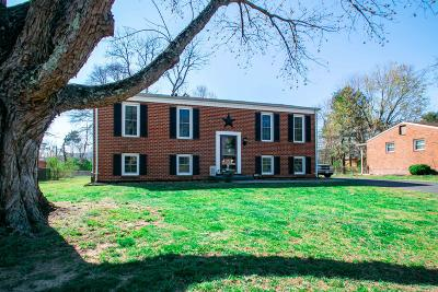 Single Family Home Sold: 2840 Creekwood Dr
