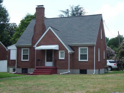 Roanoke City County Single Family Home For Sale: 4028 Greenlawn Ave NW