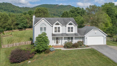 Single Family Home Sold: 157 Wentworth Ln