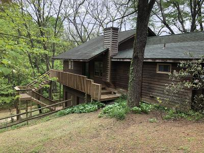 Roanoke County Single Family Home For Sale: 5162 Cave Spring Ln