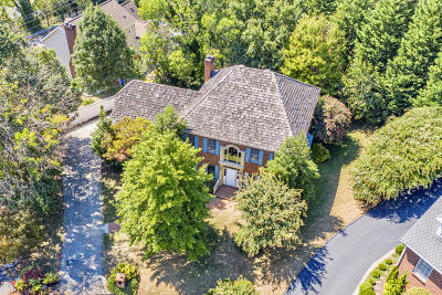 Salem Single Family Home For Sale: 816 Scott Cir