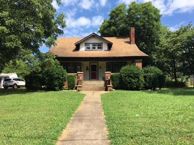 Mecklenburg County Single Family Home For Sale: 310 W Sycamore St