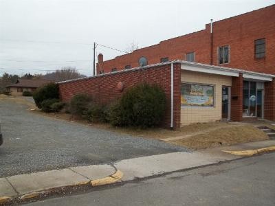 Carroll County, Grayson County Commercial For Sale: 209 Oldtown Street