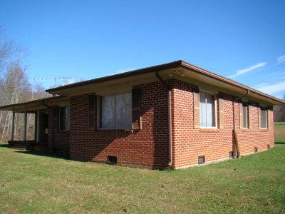 Hillsville Single Family Home For Sale: 190 Little Bit Road
