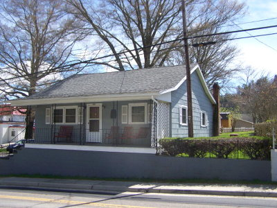 Single Family Home Sold: 104 Main Street