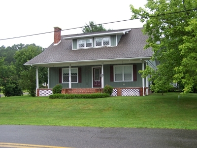 Single Family Home Sold: 643 Main Street