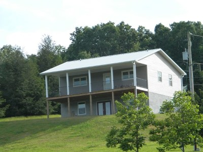 Chilhowie VA Single Family Home For Sale: $149,000