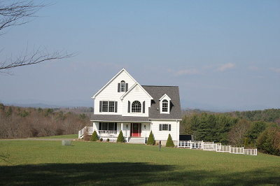 Hillsville Single Family Home For Sale: 204 Pike Knob Rd