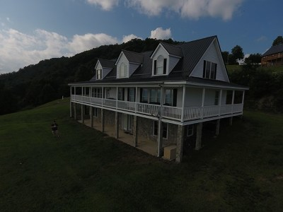 Carroll County Single Family Home For Sale: 327 Reflections Point Trail