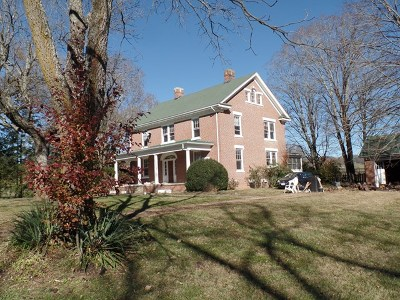 Abingdon Single Family Home For Sale: 19569 Rustic Lane