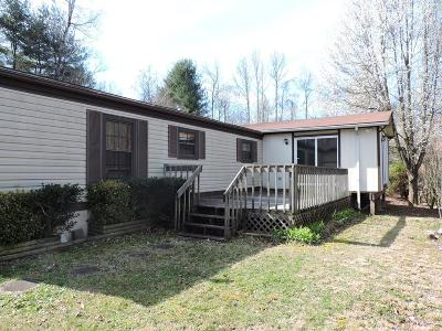 Damascus Manufactured Home For Sale: 22318 Fig Tree Rd.