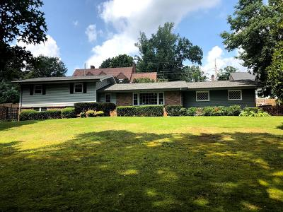 Bristol Single Family Home For Sale: 2 Long Crescent Drive