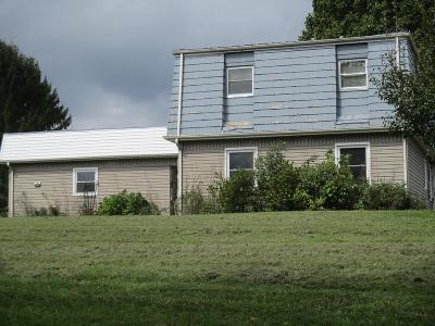 Chilhowie VA Single Family Home For Sale: $60,500