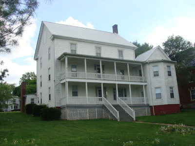 Wythe County Single Family Home For Sale: 301 Baumgardner Ave