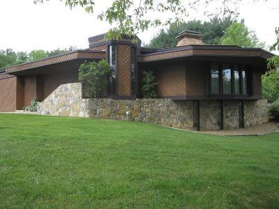 Bristol VA Single Family Home Active Contingency: $329,000