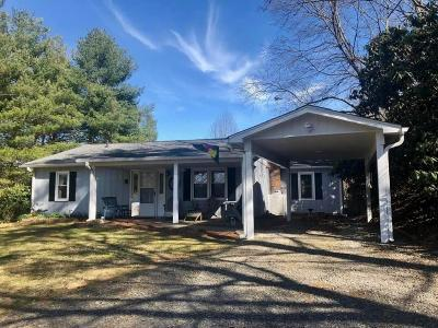 Carroll County, Grayson County Single Family Home For Sale: 1679 Doe Run Rd