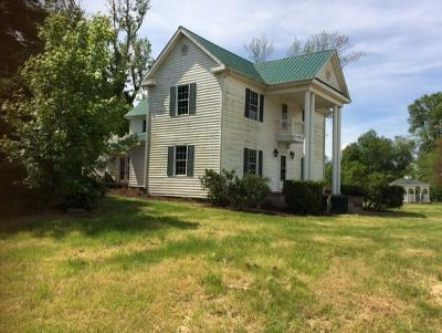 Glade Spring Single Family Home Active Contingency: 34542 Lee Hwy