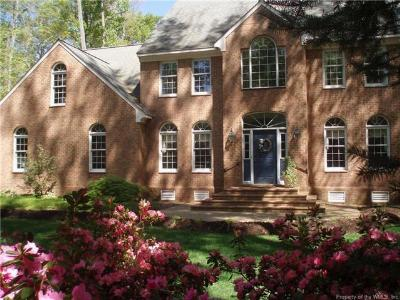 Yorktown Single Family Home Sold: 101 Tully Cove Trail