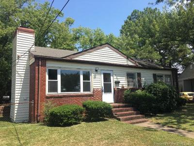 Hampton Single Family Home For Sale: 228 Avon Road