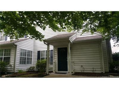 Yorktown Condo/Townhouse For Sale: 807 Hamlet Ct #807