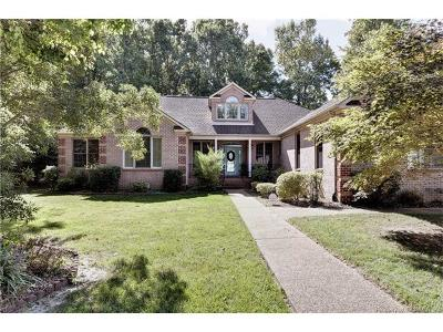 Yorktown Single Family Home For Sale: 100 Meherrin Run