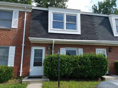 Newport News Condo/Townhouse For Sale: 371 Susan Constant Drive