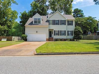 Yorktown Single Family Home For Sale: 105 Larkin Run