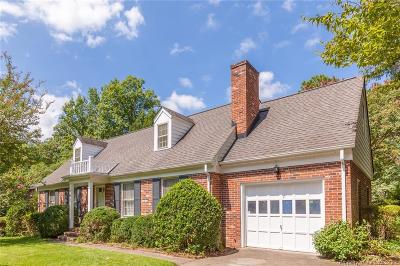 Williamsburg VA Single Family Home For Sale: $300,000