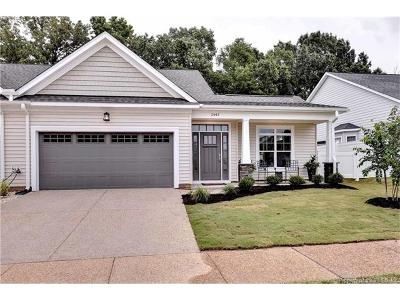 Gloucester Single Family Home For Sale: 2447 River Club Way